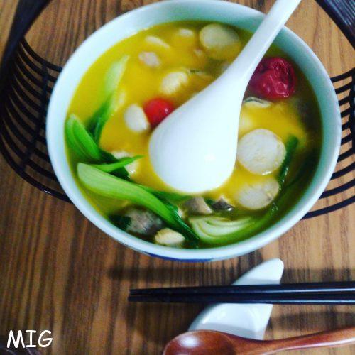 Une soupe aux légumes racines, avec un bouillon très parfumé, sans doute la meilleure soupe que j'ai mangé de ma vie