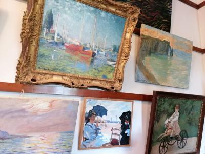 des toiles de Monet